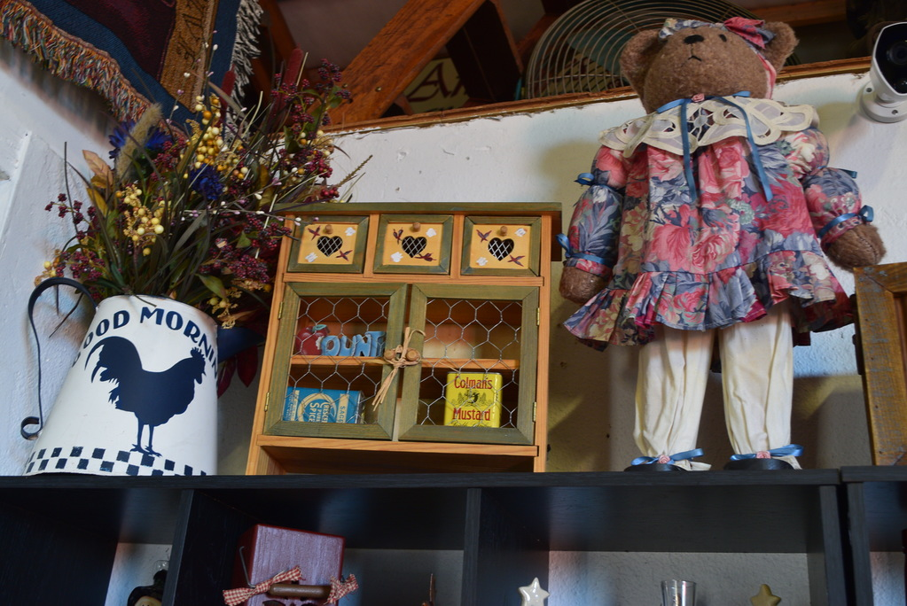 Amazing Antiques and Collectibles