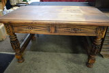 BEAUTIFUL HANDCARVED WOODEN TABLE!
