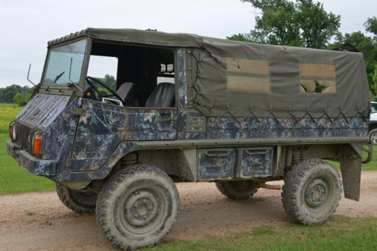 STEYR­DAILMER 710M Troop Carrier