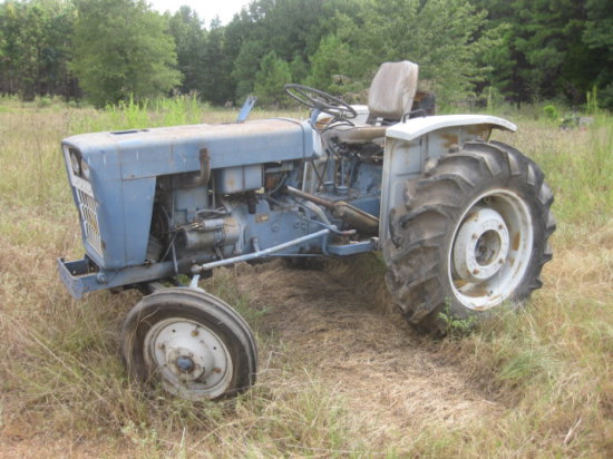FORD TRACTOR SN 0102898
