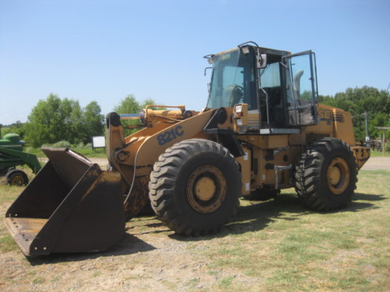 CASE 821C RT LOADER SN JEE022612