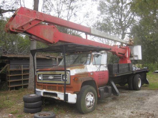 1984 CHEVROLET C60 REACHALL BUCKET TRUCK
