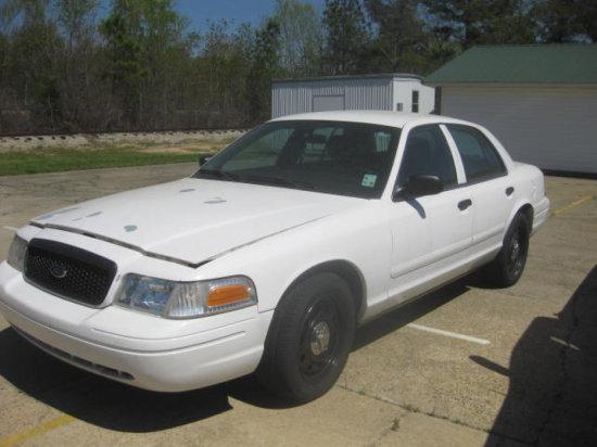 1997 FORD CROWN VIC CAR