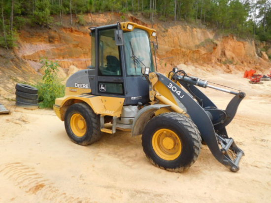 DEERE 304J RT LOADER SN 723374