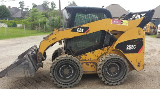 2010 CAT 262C SKID LOADER SN MST03078