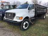 2000 FORD F750XL STAKE TRUCK, CAT 3116 DIESEL ENGINE, 6-SPEED TRANS, 16' BED, OWNER STATES MANY HIGH