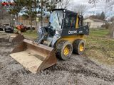 JOHN DEERE 320E RUBBER TIRE SKID STEER, 2017, AUX HYDRAULICS, CAB WITH HEAT/AC, RADIO, 2-SPEED, 12-1