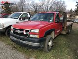 2005 CHEVROLET 3500 REGULAR CAB FLAT BED TRUCK, DURAMAX DIESEL ENGINE, AUTO TRANS, 11-1/2' BED, SOUT