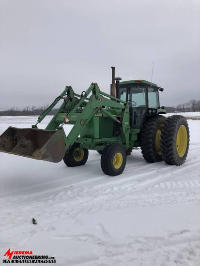 JOHN DEERE 4450 TRACTOR WITH 265 LOADER, 2WD, 5749 HOURS, 18.4R42 DUALS, 2 SEV'S, QUICK HITCH, PTO,