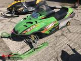 ARTIC CAT 370 SNOWMOBILE, 2647 MILES SHOWING, VIN: 4VF045NW94T10Z105