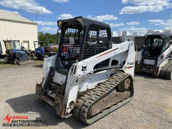 2010 BOBCAT T630 RUBBER TRACK SKID STEER, AUX HYDRAULICS, STANDARD CONTROLS