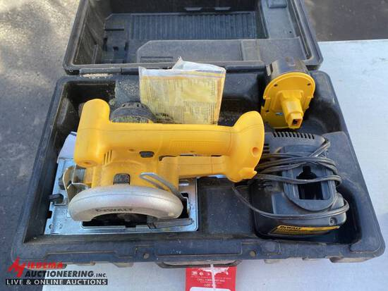 DEWALT 5-3/8'' CORDLESS CIRCULAR SAW WITH CHARGER & CASE, 18-VOLT
