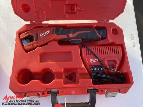 MILWAUKEE 12V COPPER TUBING CUTTER, WITH CHARGER & CASE