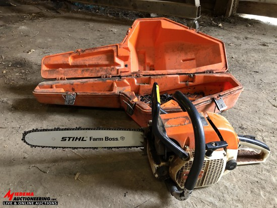 STIHL WOOD BOSS D28AV GAS POWERED CHAINSAW, 18'' BAR WITH CASE