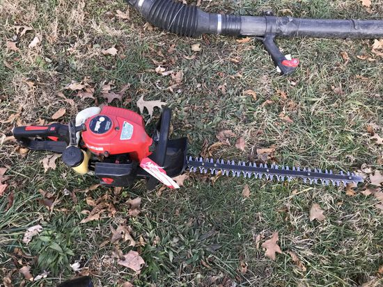 REDMAX HTZ2460 HEDGE TRIMMER, GAS