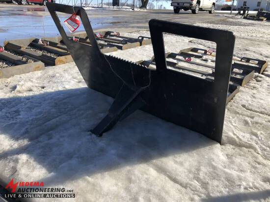 SKID STEER TRAILER MOVER ATTACHMENT