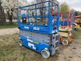 GENIE GS-2632 SCISSORS LIFT, YEAR 2006, 26', 500 LBS CAPACITY, WORKS BUT WON'T HOLD A CHARGE, S/N: G
