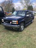 1995 GMC SUBURBAN SLE, 4WD, 350 V8 GAS ENGINE, AUTO TRANS, PW, PL, PM, AM/FM, 8-SEATER, RUNNING BOAR
