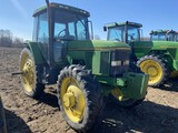 1996 JOHN DEERE 7400 TRACTOR, 3-POINT, NO TOP LINK, PTO, 2-REMOTES, MFWD, 320-90R50 REAR TIRES, 320-