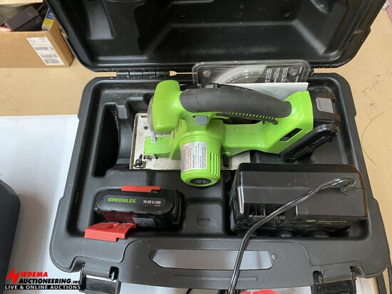 GREENLEE 14.4 VOLT CORDLESS CIRCULAR SAW WITH BATTERY, CHARGER & CASE