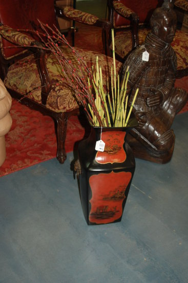 Black/Red Vase Thai Scenes