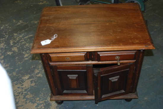 2 pair 2 dr night stand