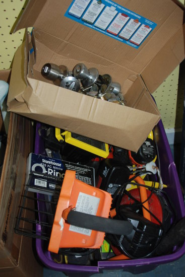 Box tools/hardware