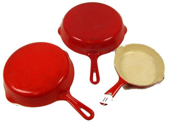 Lot:11 - Griswold: Flamingo Red & Cream Porcelain Finish; 3 Skillets; Sl; #3; #6; #7