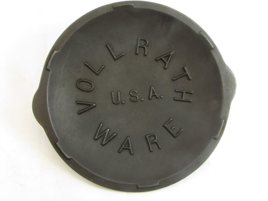 Lid: Vollrath Ware U.S.A; Raised Inside Lid Function As Drip Rings
