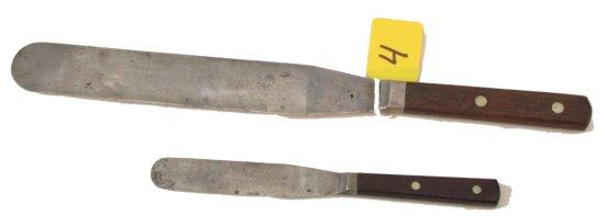 2 Spatulas: Winchester, Sm. & Lg. (#7635)