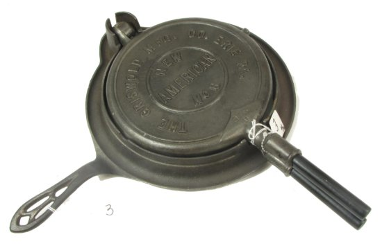 No. 8 Waffle Iron; The Griswold Mfg. Co Erie Pa; May 1901 Patents On Back (raised); Pn 976 /977; Ba