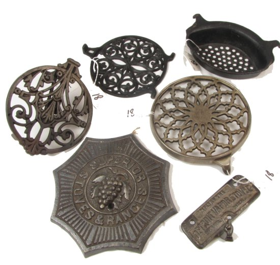 Lot: Cookstove Accessories: Clamp-on Warmer Shelf; 2 Warmer Shelves; Strainer; Damper Control Detr