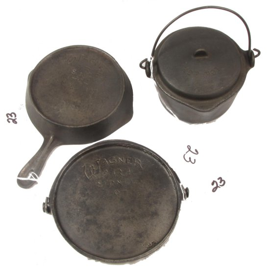 Wagner: Hot Pot W/lid Cn 1364; Toy Skillet A; Toy Bailed Griddle (all Script)