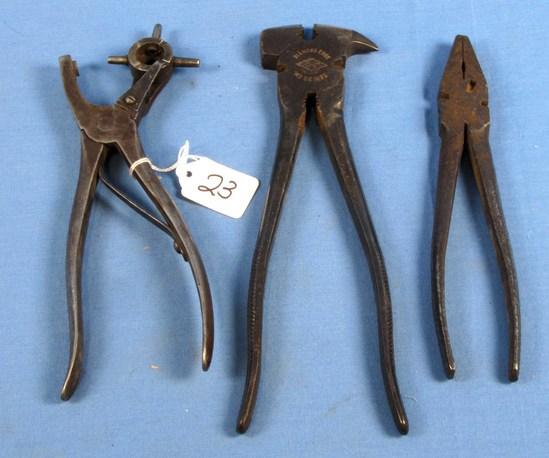 Leather Punch (revolving Wheel); Fence Pliers/staple Puller (de 1932); Lineman's Pliers; De