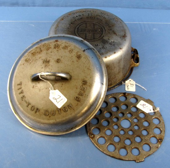 #8 Tite-top Dutch Oven; P/n 833; Griswold; Ll; Block; Epu W/high Dome; Raised Letter Lid; P/n 2551