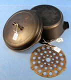 Hinged Cover Dutch Oven; #8; Griswold; Erie; Pa; Sl; W/trivet
