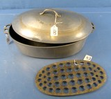 Wagner #5 Drip Drop Baster; Cover & Trivet