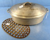 #8 Wagner Ware Drip Drop Roaster; Raised Letter Cover & Trivet