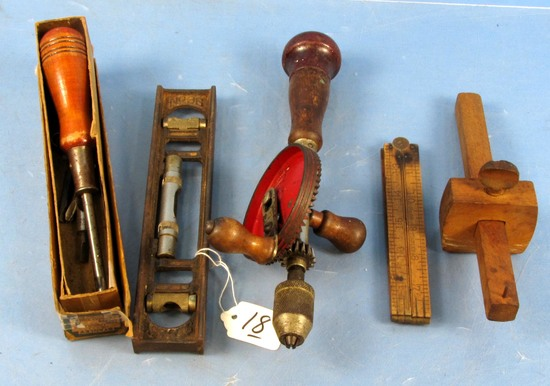 Misc. Tool Lot: #36 Cast Iron Level (bad Bubble); Defiance Hand Drill; #68 Folding Rule; #8 Tool H