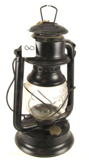Lantern; Norleigh Diamond; Shapleigh Hardware; 12in Tall W/ Dietz Little Wizard Globe