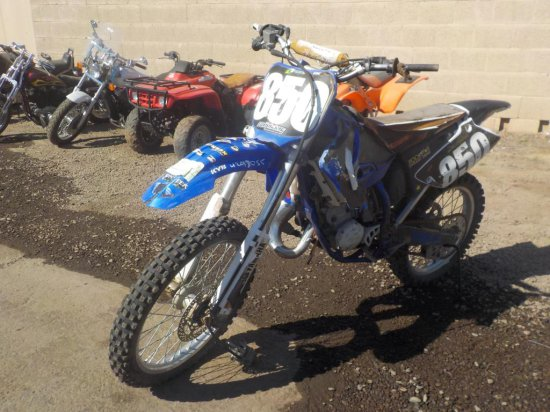 2002 Yamaha YZ125 Motorcross Bike