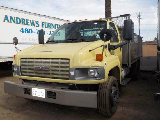 2004 GMC C5500 Utility Truck