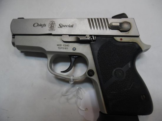 SMITH & WESSON CS40 Pistol 40 SN:  TDT5181 W/