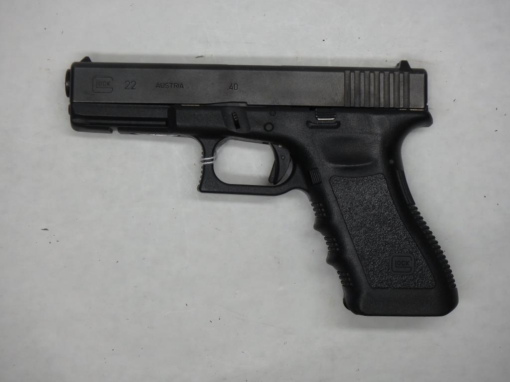 GLOCK 22 PISTOL 40 SN:  DPW906US NO MAG, AVERAGE