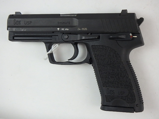 HK USP PISTOL 9MM SN:   24-11135 W/ MAG, GOOD