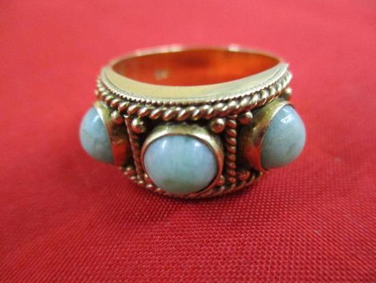 18K Yellow Gold Ring with 3 Jade Stones: