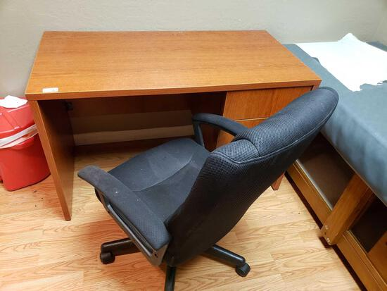 2-drawer Office Desk and Chair