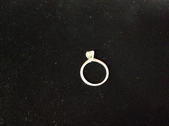 (1 qty) Avon ring with cubic zirconia (unauthenticated)