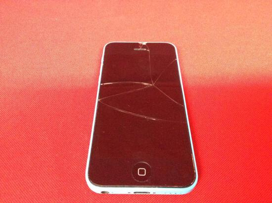 (1 qty) Apple iPhone 5C (blue on color) (model; A1507) (screen cracked)