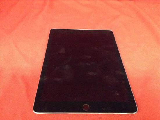 (1 qty) iPad (model: A1566) (sn) DMQ551GVG5VJ (locked)